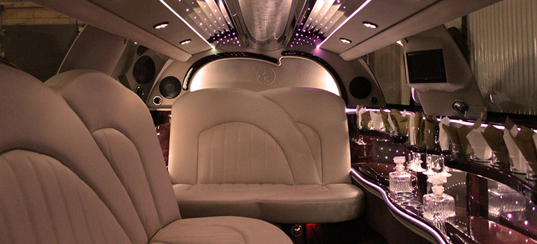 2008 Tuxedo Stretched Towncar Interior