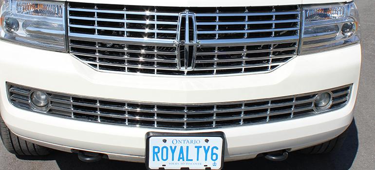 Tuxedo Lincoln Navigator Front